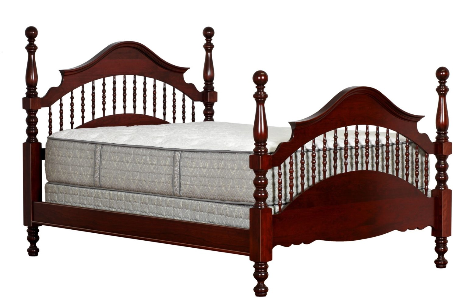 Picture of: Traditional Cathedral Spindle Bed Martin S Furniture
