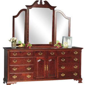 Traditional Triple Dresser w/Tri-fold Mirror